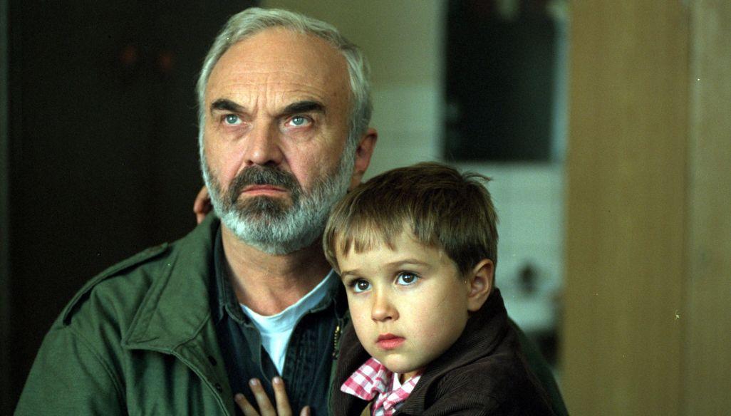 """""""Kola"""", reż. Jan Sverák   Wieczne lato: kino za jeden uśmiech"""